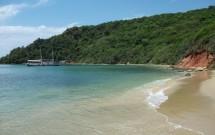 Escuna na Praia da Tartaruga