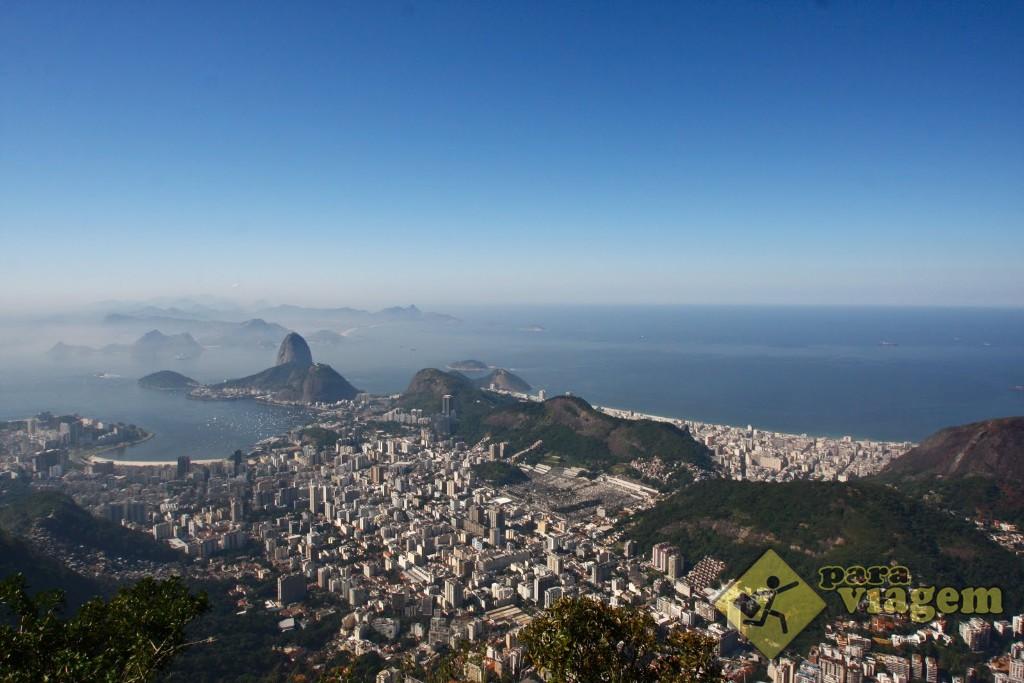Vista aérea: Enseada de Botafogo e Praia de Copacabana