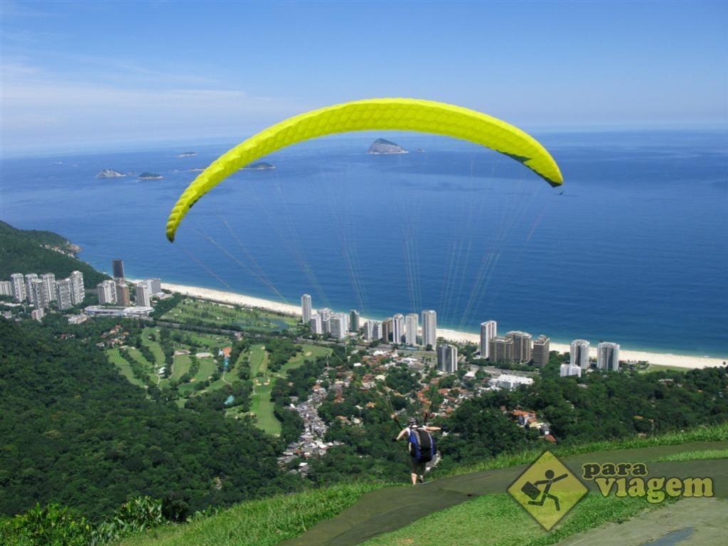 Praia de São Conrado vista da rampa de voo da Pedra Bonita