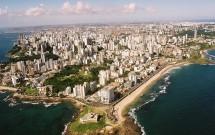 Vista aérea de Salvador -Farol da Barra no detalhe