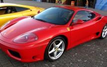 Ferrari disponível para um passeio