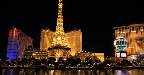 Hotel Paris à noite