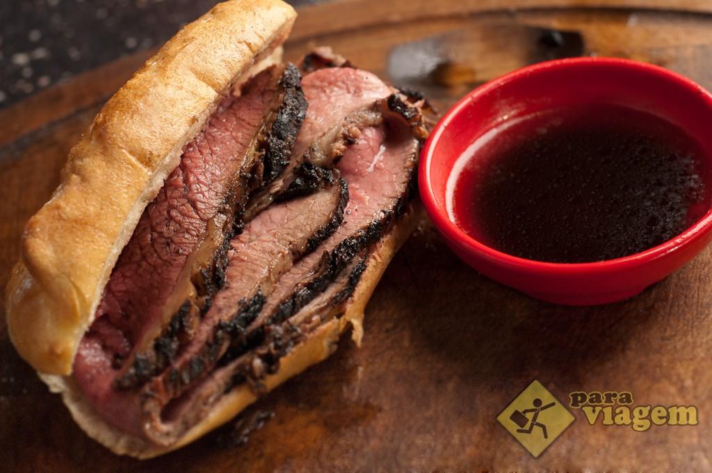 Sanduíche Recheado com Carne Suculenta