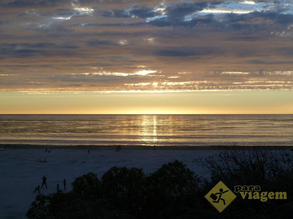 Pôr do Sol na Praia em Carmel