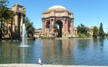 Lago do Palace of Fine Arts
