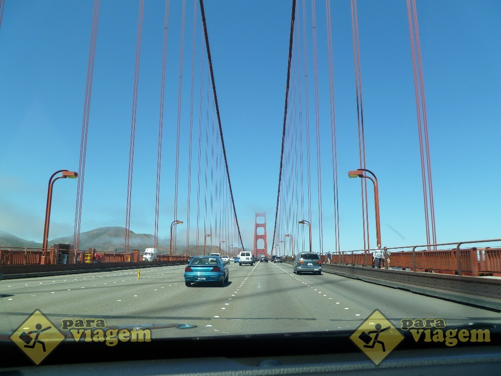 Dirigindo pela Golden Gate Bridge