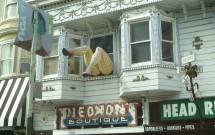 Pernas na Janela em Haight Street