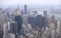 Detalhe do Chrysler Building e East River: vista do Empire State