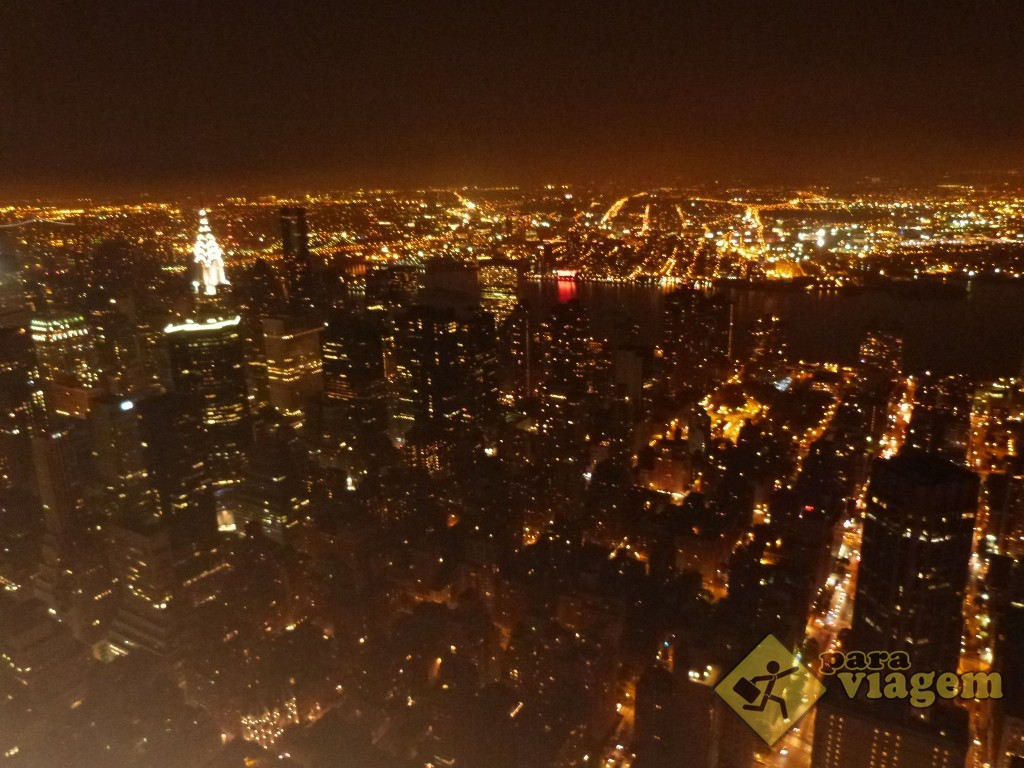 East side à noite: vista do Empire State
