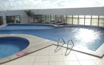 Área de lazer: piscina