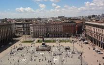 Vista da praça em frente ao Duomo