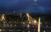 Champs-Élysées à noite, vista da roda gigante