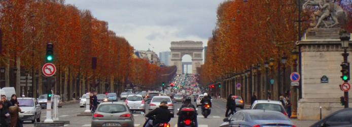 Champs-Élysées e o Arco do Triunfo