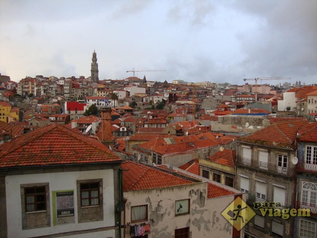 Vista do Porto antigo, do pátio da Cat. da Sé