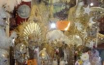 Vitrine com as máscaras de Veneza