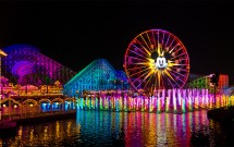 Roda Gigante Iluminada no Disney California Adventure