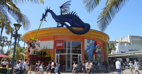 The LEGO Store no Downtown Disney