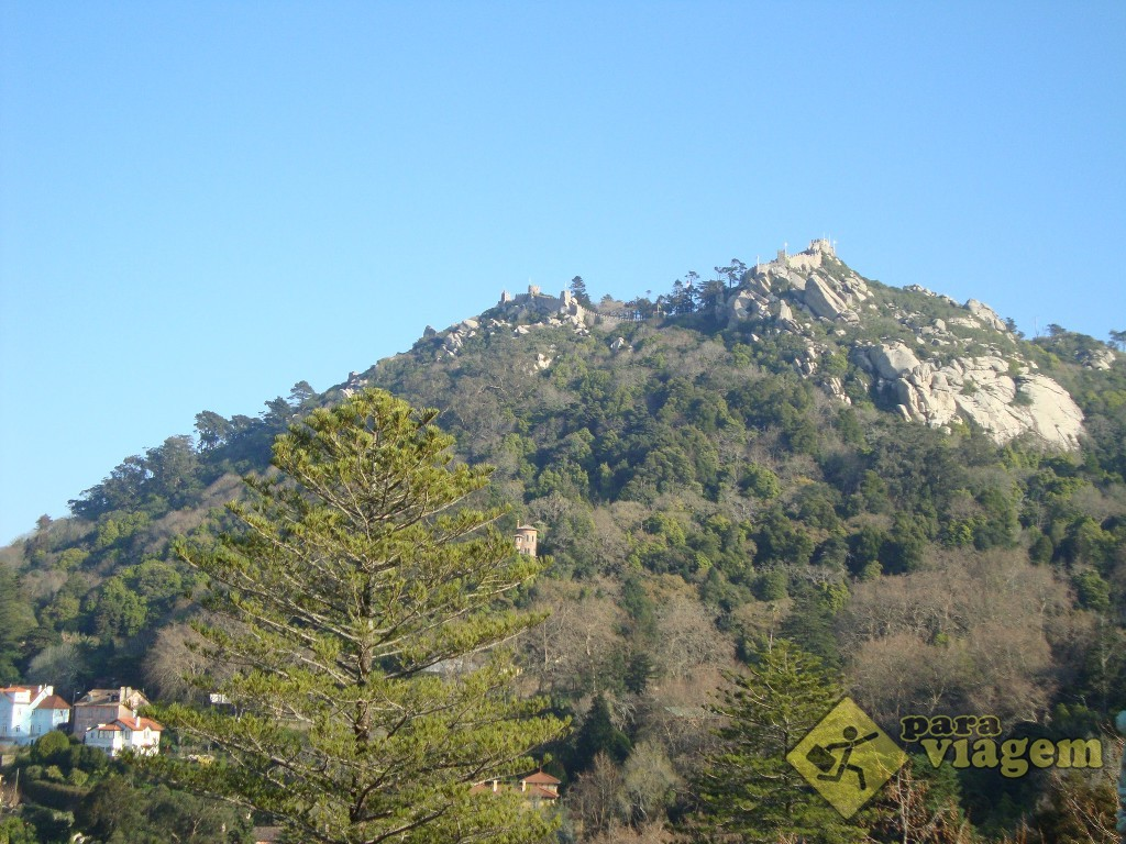 Castelo dos Mouros, no alto da montanha