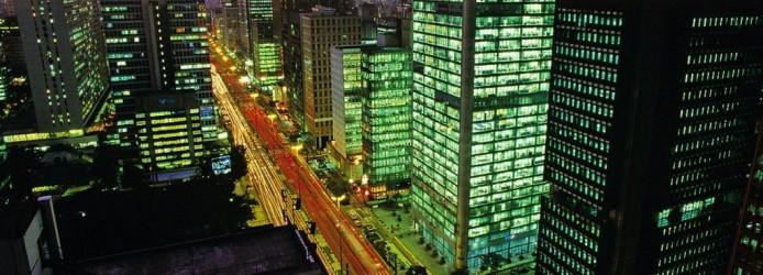 Avenida Paulista à noite