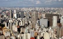 Vista aérea de São Paulo. Destaque para os edifícios Itália e da Copan