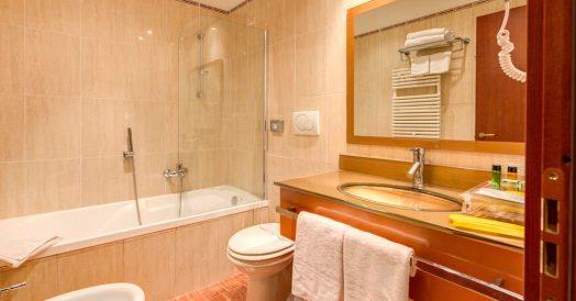 Banheiro do Hotel Augusta Lucilla Palace