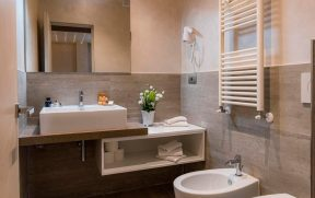 Banheiro do Aurelia Residence San Pietro