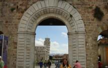 A Torre vista de fora da Muralha