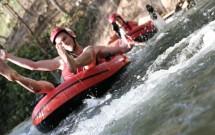 """""""Boia-cross"""" na cachoeira"""