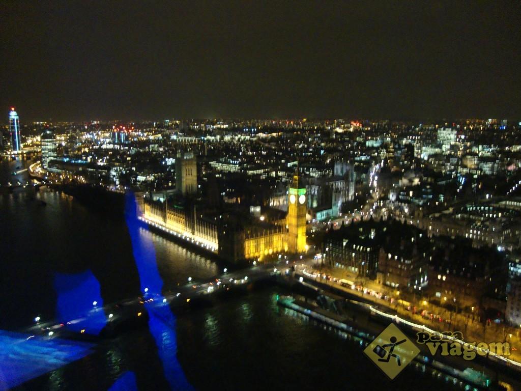 Vista da London Eye à noite