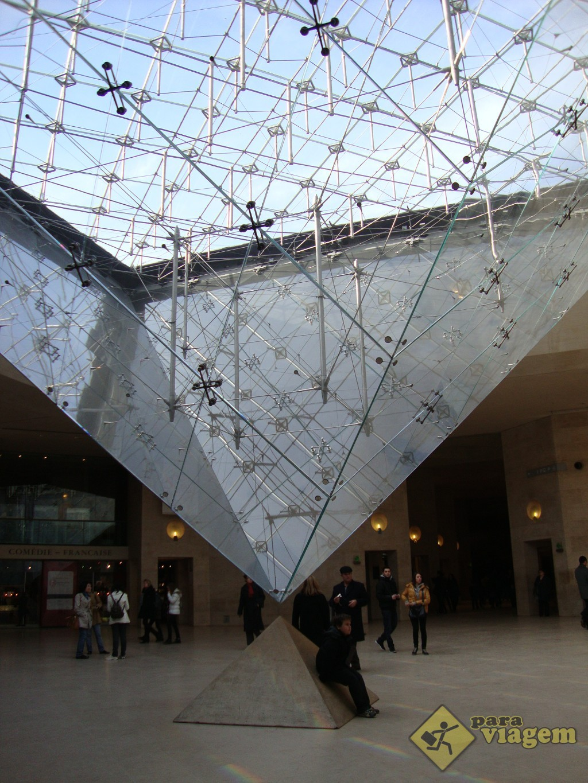 Pirâmide Invertida - Carrousel do Louvre
