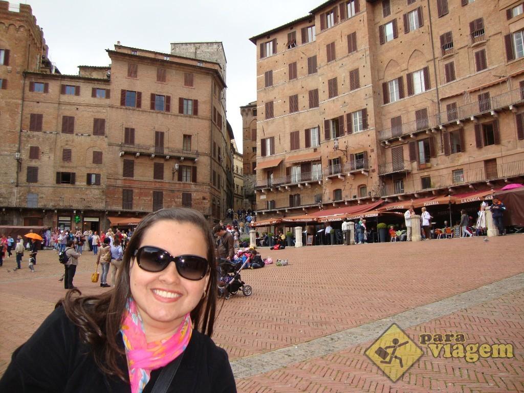 Piazza del Campo e os edifícios medievais
