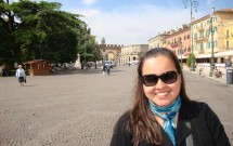 Piazza Brà com a Porta Brà ao fundo