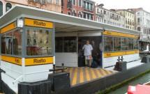 Estação de vaporetto em Veneza