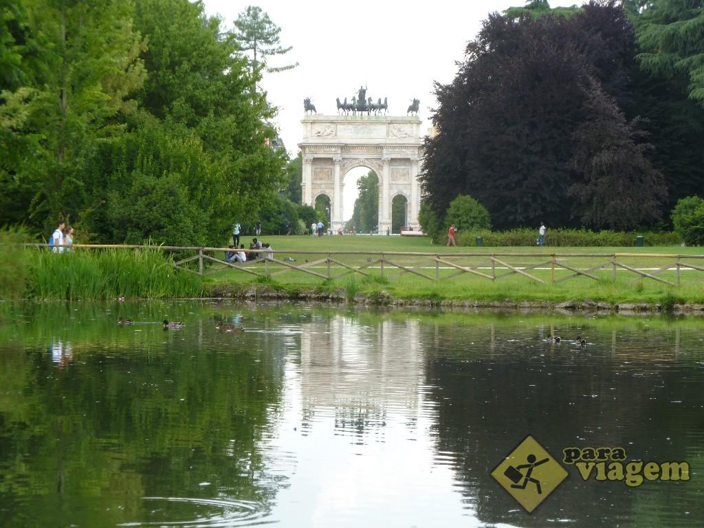 Parque Sempione e o Arco della Pace