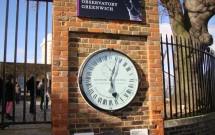 Shepherd Gate Clock -- Que horas são? 05:03 ou 11:03?