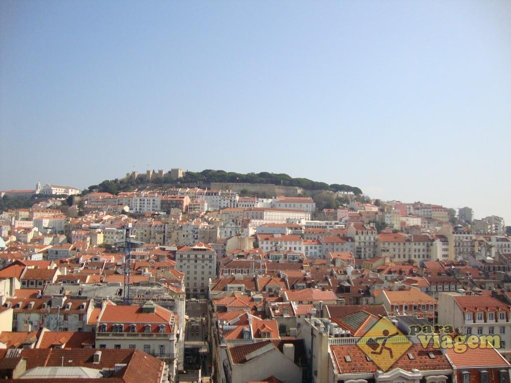 Vista da região da Baixa, Alfama e Castelo São Jorge
