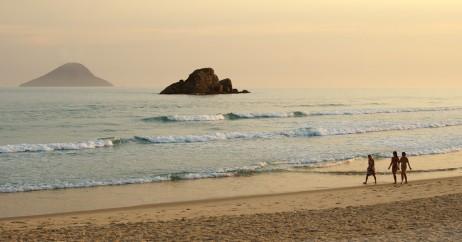 Caminhando na Praia de Juquehy