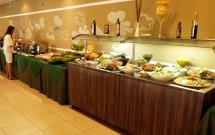 Buffet no Almoço do Serhs Natal Grand Hotel