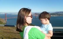 Mãe e Filho com Vista da Golden Gate Bridge em San Francisco
