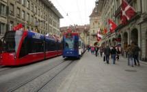 Bondes circulando em Berna