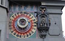 Relógio astronômico e os bonecos