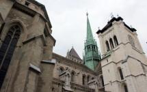 Uma das torres quadradas da catedral