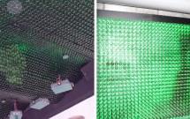 Teto decorado com garrafas de Heineken (esq) e projeção de filme sobre um telão feito de garrafas Heineken (dir)