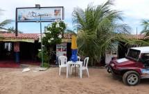 Atlântico Bar e Restaurante na Praia de Genipabú