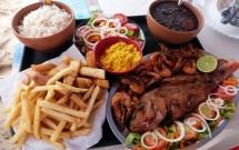 Peixe Frito e Camarões no Atlântico Bar e Restaurante