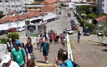 Turistas Subindo para o Centro de Turismo