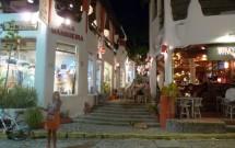 Restaurantes na Rua Principal de Pipa/RN