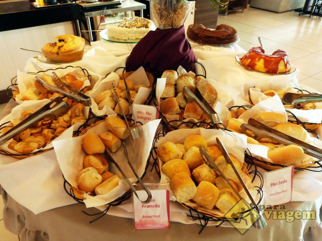 Pães no Café da Manhã do Blue Sunset