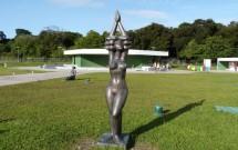 Escultura em Pé na Estação de Cabo Branco