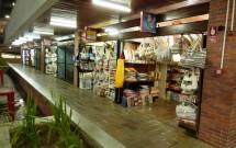 Lojas no Mercado de Artesanato da Paraíba